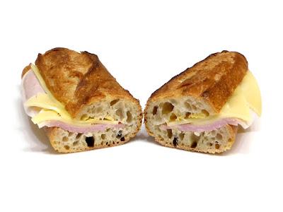 ハムとエメンタールチーズのサンド | MAISON KAYSER(メゾンカイザー)