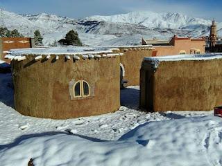 شباب من المدرسة الحسنية للأشغال العمومية يشيدون مدرسة للأطفال في الجبل