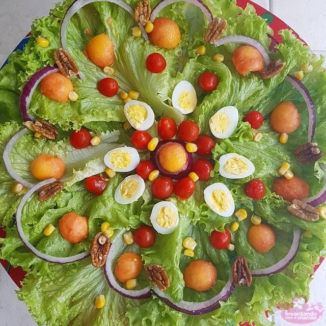 Salada de folhas com mamão