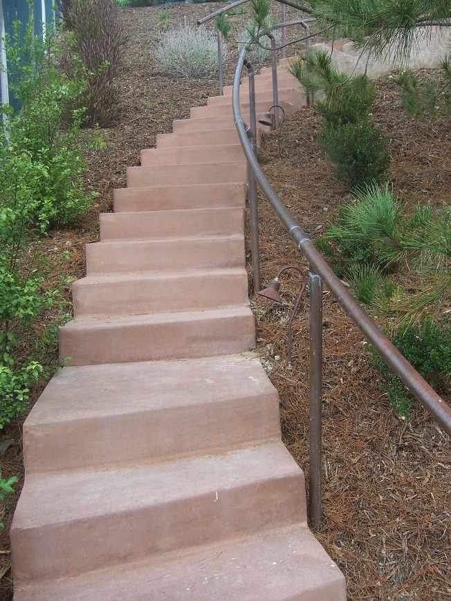 The 2 Minute Gardener: Photo - Concrete Stairs with Copper ...