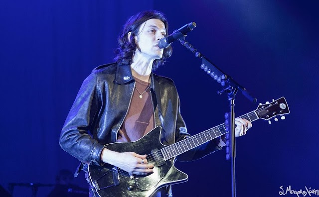 Concert Review: James Bay charms Paramount crowd