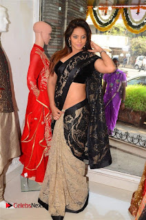 Actress Neetu Chandra Stills in Black Saree at Designer Sandhya Singh's Store Launch  0054.jpg