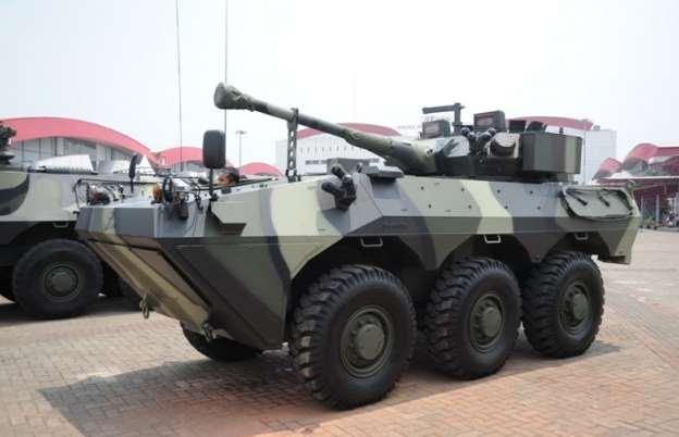 Gambar panser anoa buatan Indonesia dari PT Pindad