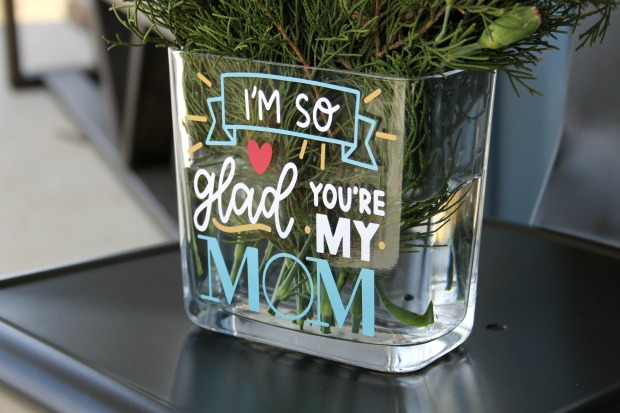 Ginger Snap Crafts Personalized Vase With Cricut Tutorial A Huge Cricut Mother S Day Giveaway