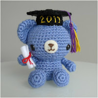 http://amigurumislandia.blogspot.com.ar/2019/03/amigurumi-osito-de-graduacion-all-about-ami.html