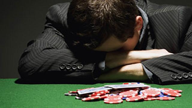 Main di Pokerasiaonline.com Bikin Kecanduan Bermain Poker