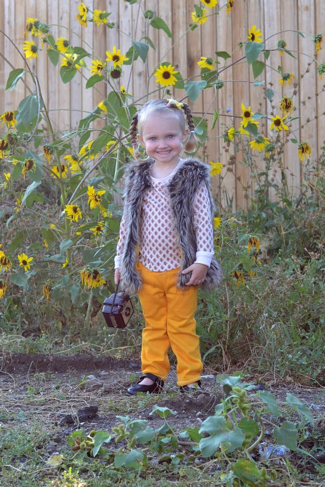 Sewing for the Girl: Little Girl's Autumn Outfit, fur vest, pink shirt, yellow joggers