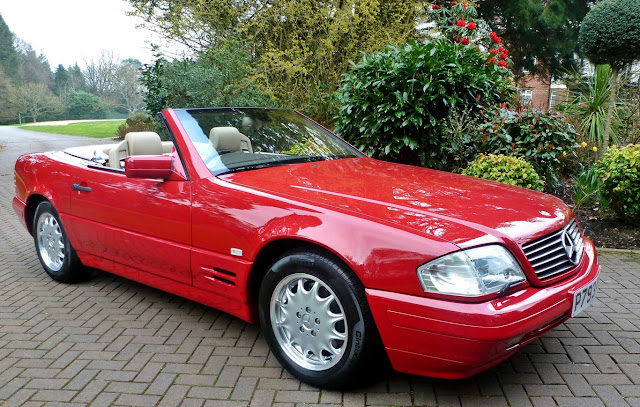 This immaculate 1996 Mercedes-Benz SL500 has only 128 km, because its owner lost the keys