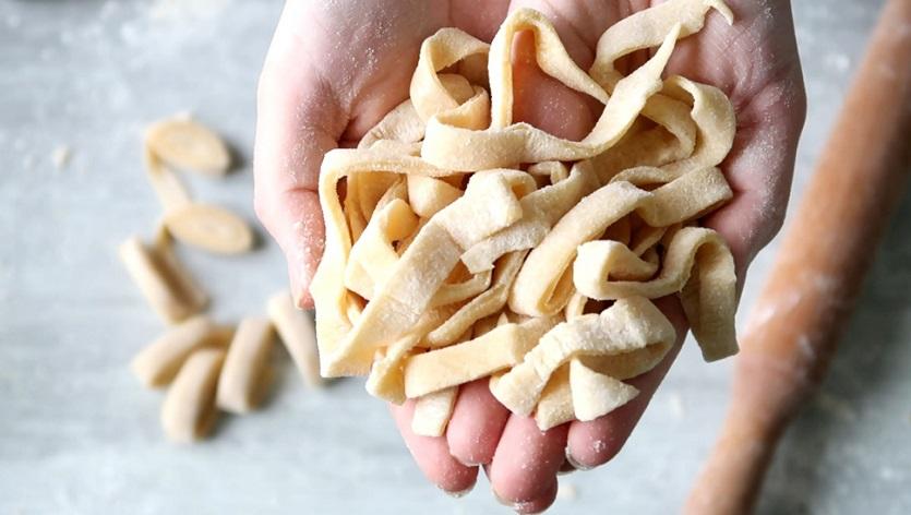 pâte fraîche maison, pâtes, maison, recette, italienne, facile, tagliatelles, comment faire