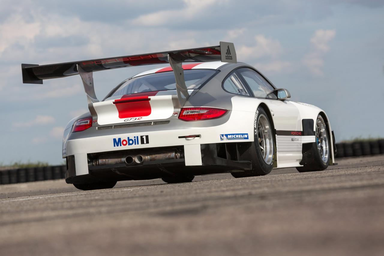 [Resim: Porsche+911+GT3+R+2.jpg]