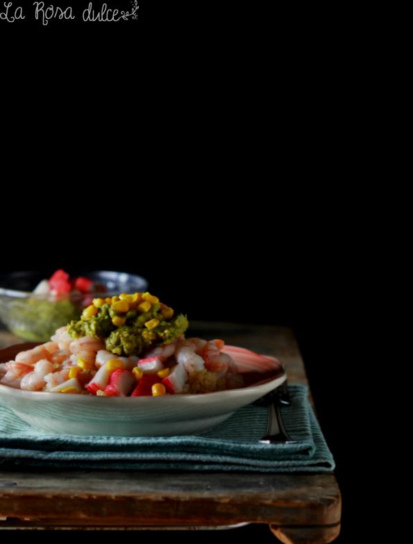 Ensalada de quinoa, gambas y aguacate