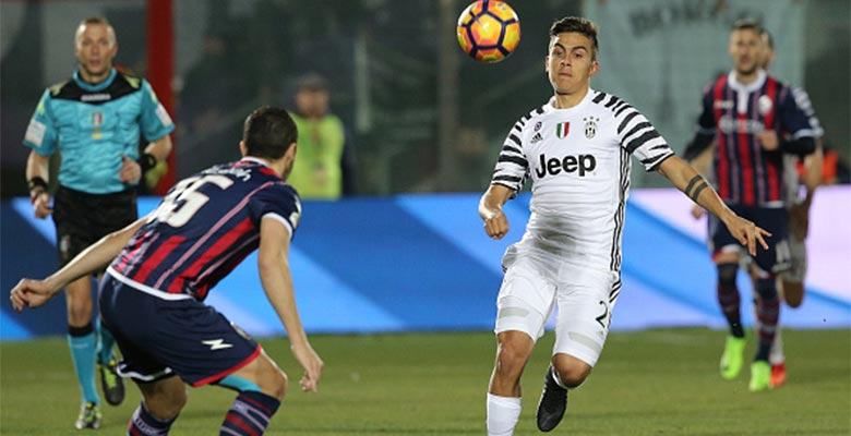 dybala showcases new outstanding blackout 39 dybala 39 mercurial superfly boots footy headlines. Black Bedroom Furniture Sets. Home Design Ideas