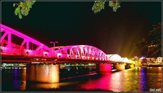 Sông Hương về đêm