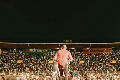 """""""I am the chosen one"""" — Davido brags as 70, 000 fans attend his convert in Mali (VIDEO)"""