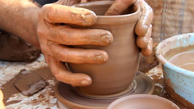 Fabricação de vasos nos ateliês da Capadócia