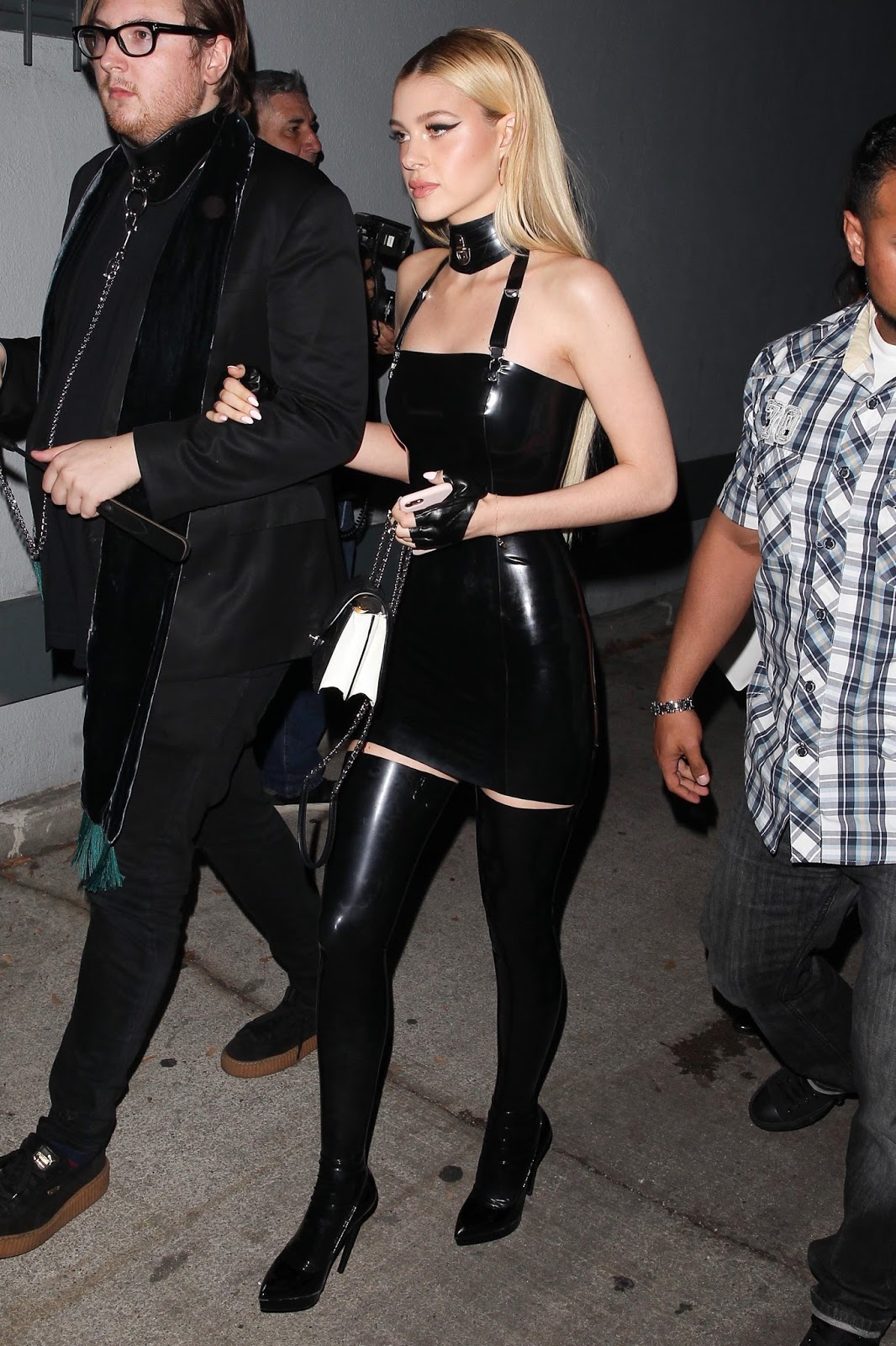 Lovely Ladies In Leather Nicola Peltz In A Latex Mini -8778