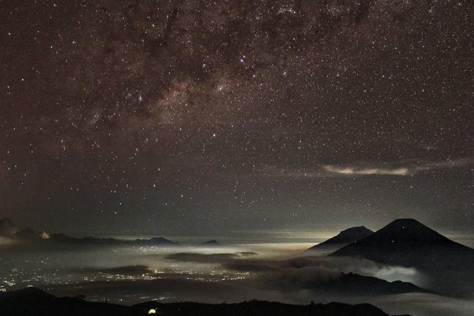 kapan milky way muncul di gunung prau dieng