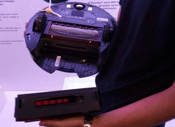 Manutenção do limpador futurista da iRobot