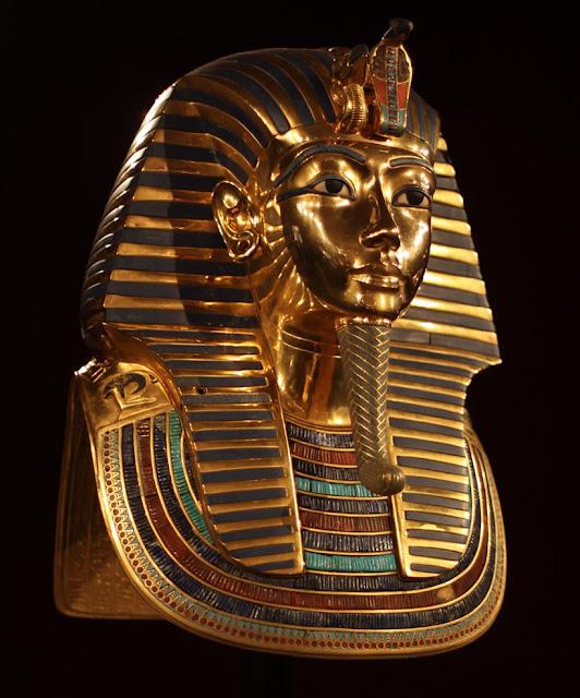 Máscara Mortuária de ouro de Tutancâmon - Foto: Wikimedia Commons