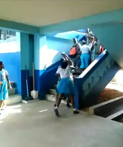 See Video of secondary school Students Fighting in school.