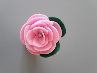 róża z filcu