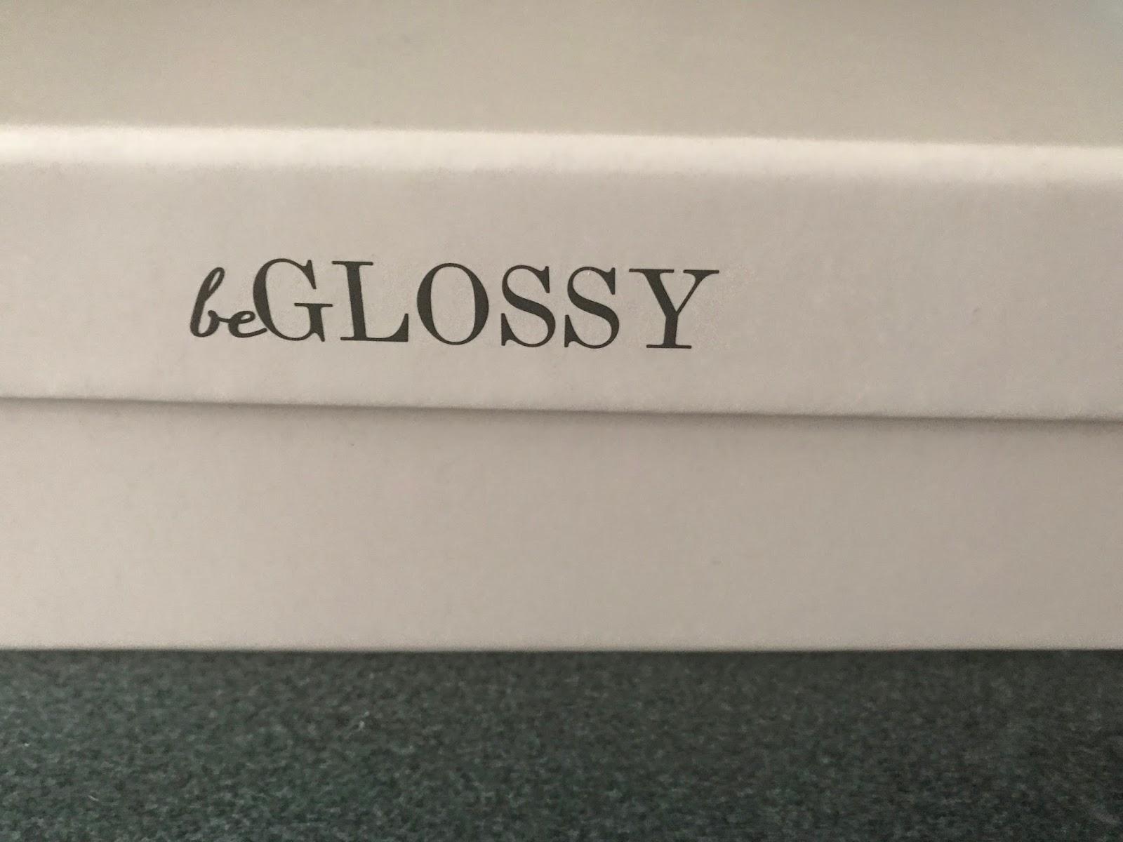 Zawartośc wrzesniowego pudełka BeGlossy - Beauty Factory
