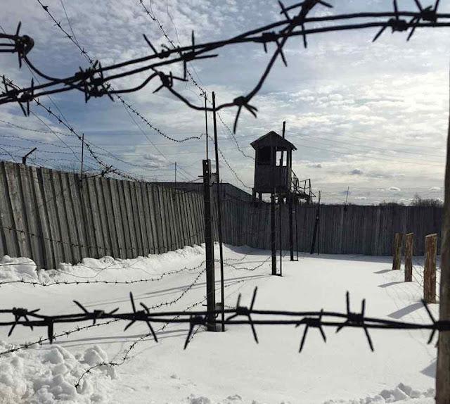 Os restos dos campos de trabalho, ou Gulag, ainda salpicam a geografia russa. Mas Putin quer que não se fale disso.
