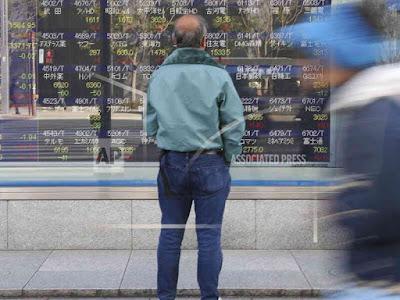 China's 2018 Economic Growth Edges Down Amid Trade War