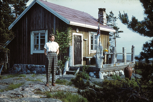 Tove Jansson on Bredskar in 1950 by Per Olav Jansson