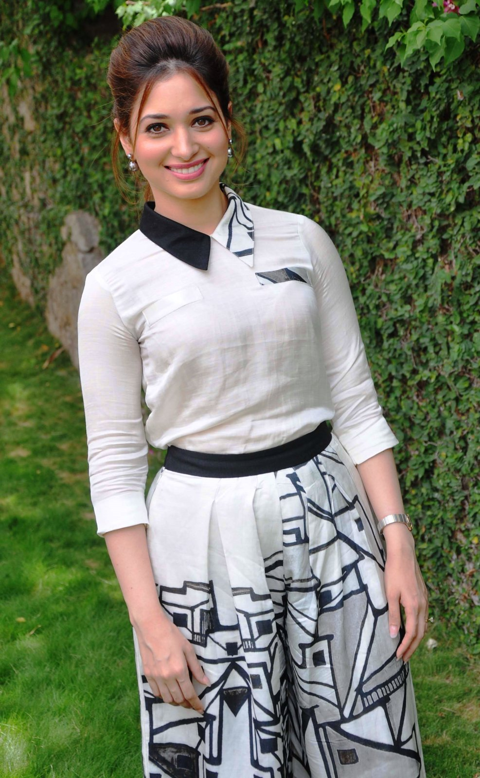 tamannaah bhatia at baahubali pictures - bolly actress pictures