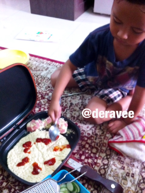 resep praktis membuat pizza