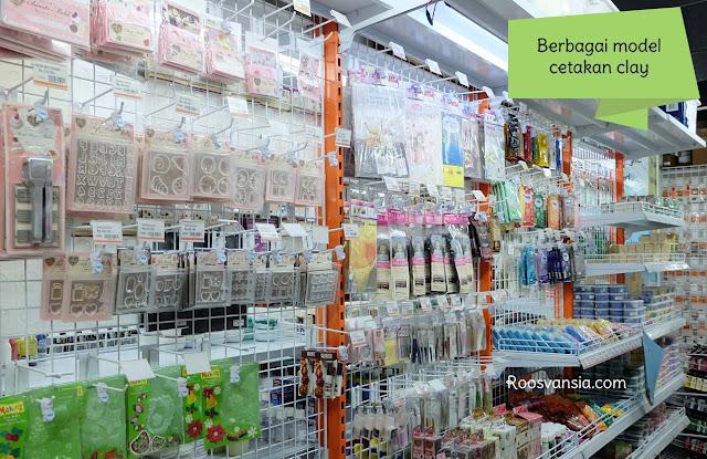 artland; artland-jakarta; tempat-jual-bahan-kerajinan-tangan; toko-maket; tempat-jual-face-painting; jual-bahan-prakarya; art-materials