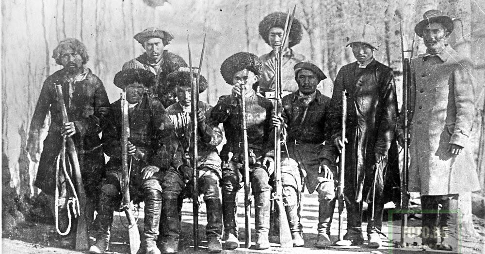 Kamit Savay: Кыргызы охотники с карамылтыками. Фото:1920 год