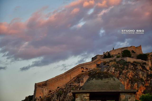 Η φωτογραφία της ημέρας: Όσα δεν ξέρετε για το Παλαμήδι (βίντεο)