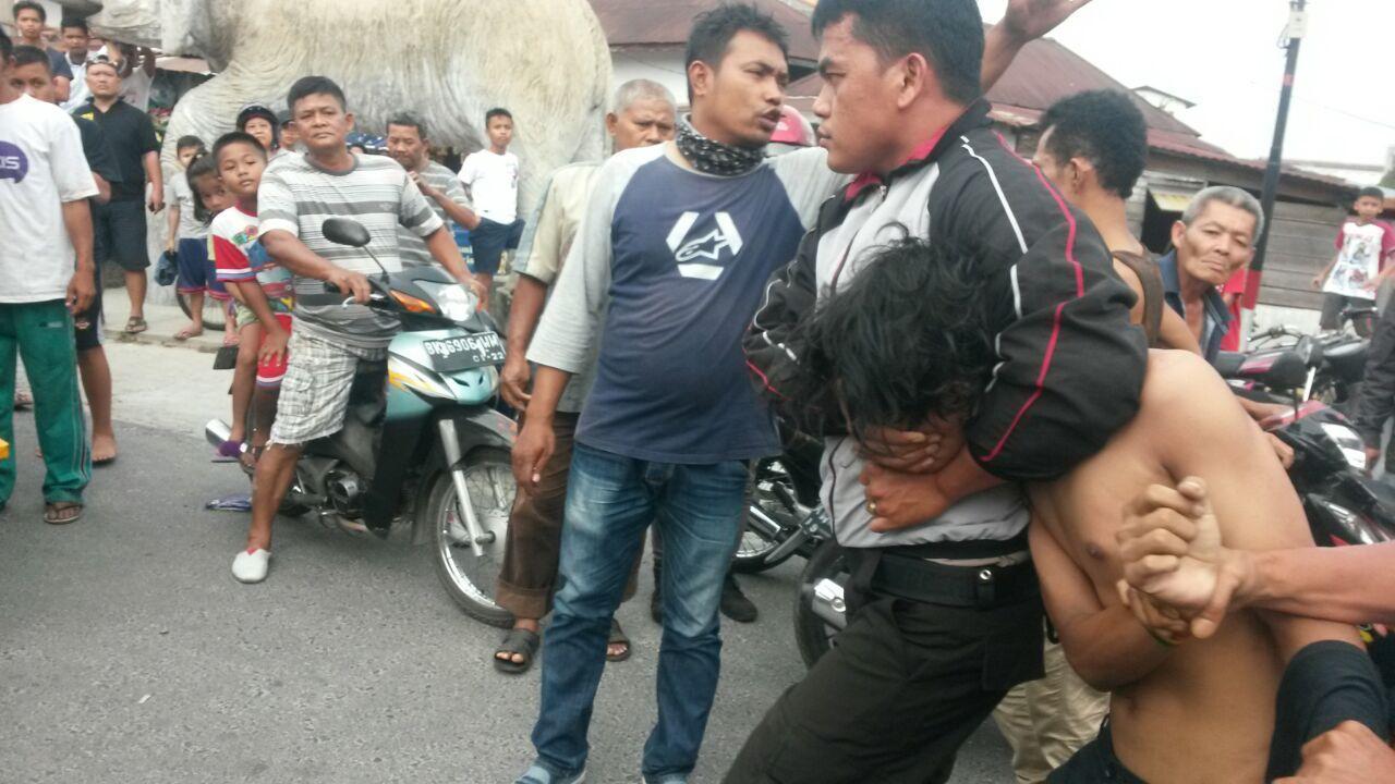 Pelaku ditangkap massa di Komplek kolam renang Detis Sari Indah Kelurahan Pematang Simalungun