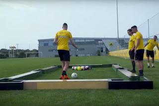 #ZiseToPodosfairo: Οι παίκτες της AEK διδάσκουν μπιλιάρδο με…μπάλες ποδοσφαίρου! [vid]