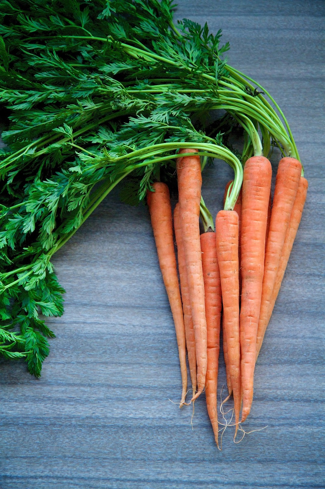 how to eat carrot tops
