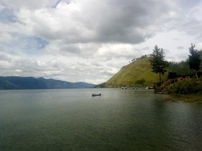 Jatuh cinta berkali-kali di danau ini
