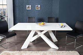 Luxusný jedálenský stôl Reaction.