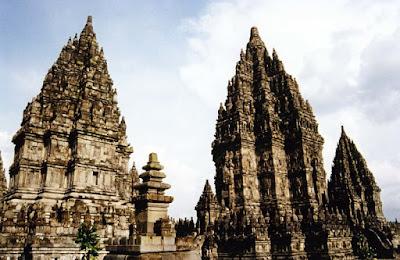 Candi Hindu di Indonesia Beserta Letaknya 18 Candi Hindu di Indonesia Beserta Letaknya