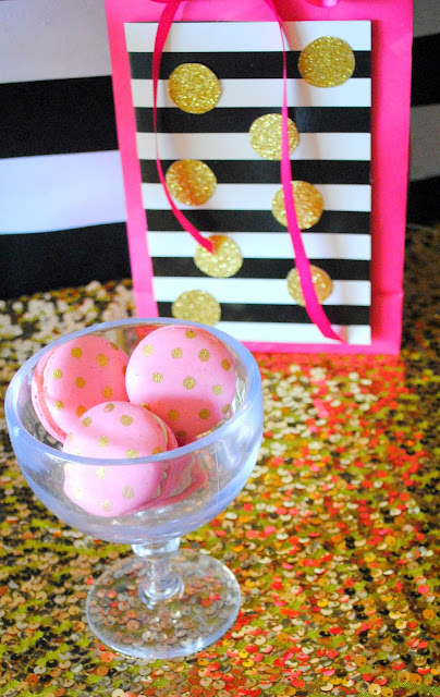 Macarons and gifts for a Kate Spade inspired BFF party by Fizzy Party