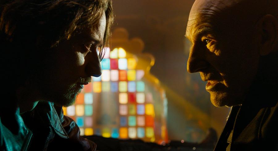 Charles Xavier al viitorului faţă în faţă cu versiunea sa mai tânără în X-Men Days Of Future Past