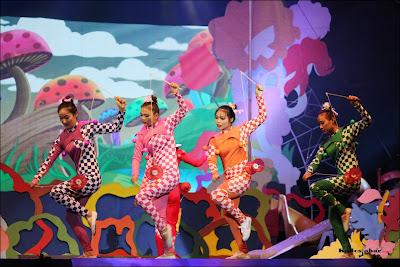 Diabolo sirkus di Trans Studio Bandung