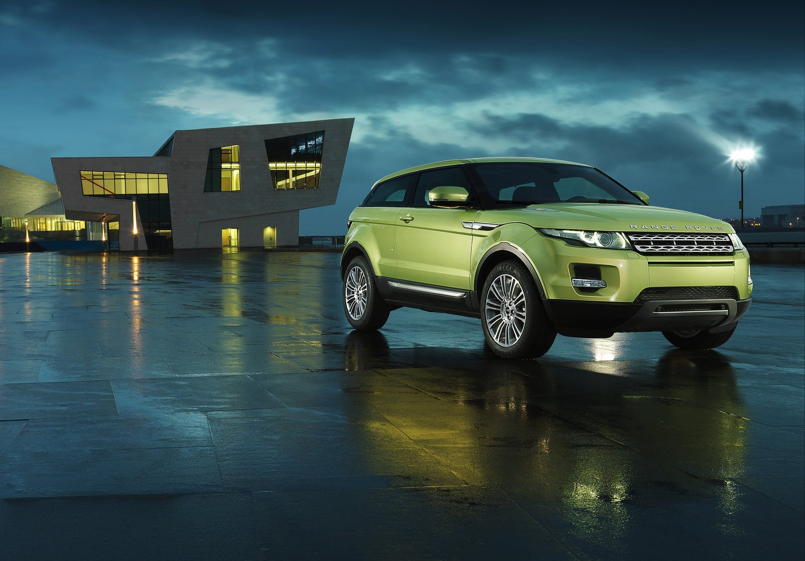 land rover evoque hd wallpapers high definition free background. Black Bedroom Furniture Sets. Home Design Ideas