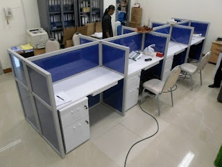 Kontraktor Interior - Meja Kubikel Meja kubikal Meja Sekat Kantor Bahan Kain Fabric