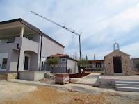 Kapelica sv. Klementa hotelsko naselje Marion Dužić Osibova Milna slike otok Brač Online