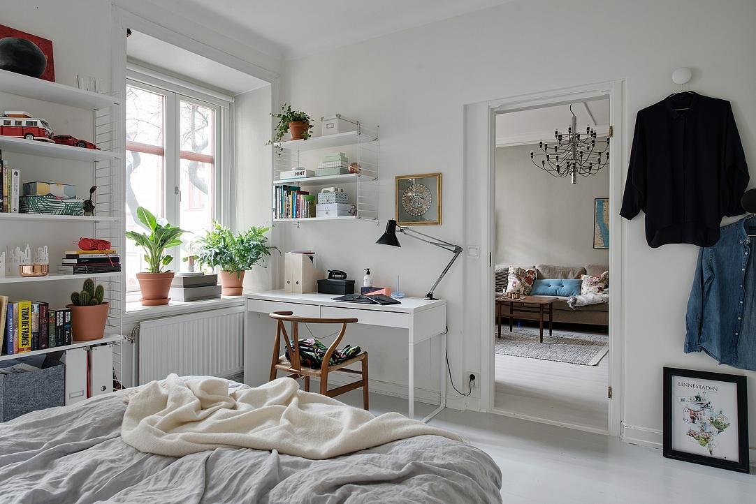 ikea besta burs biurko, biurko ikea, miejsce do pracy ikea, miejsce do pracy w stylu skandynawskim, domowe biuro w stylu skandynawskim