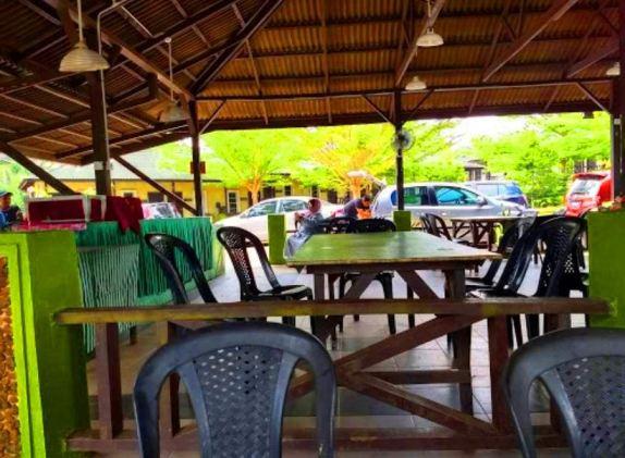 Umang Umang Chalet Pantai Kuala Sungai Baru