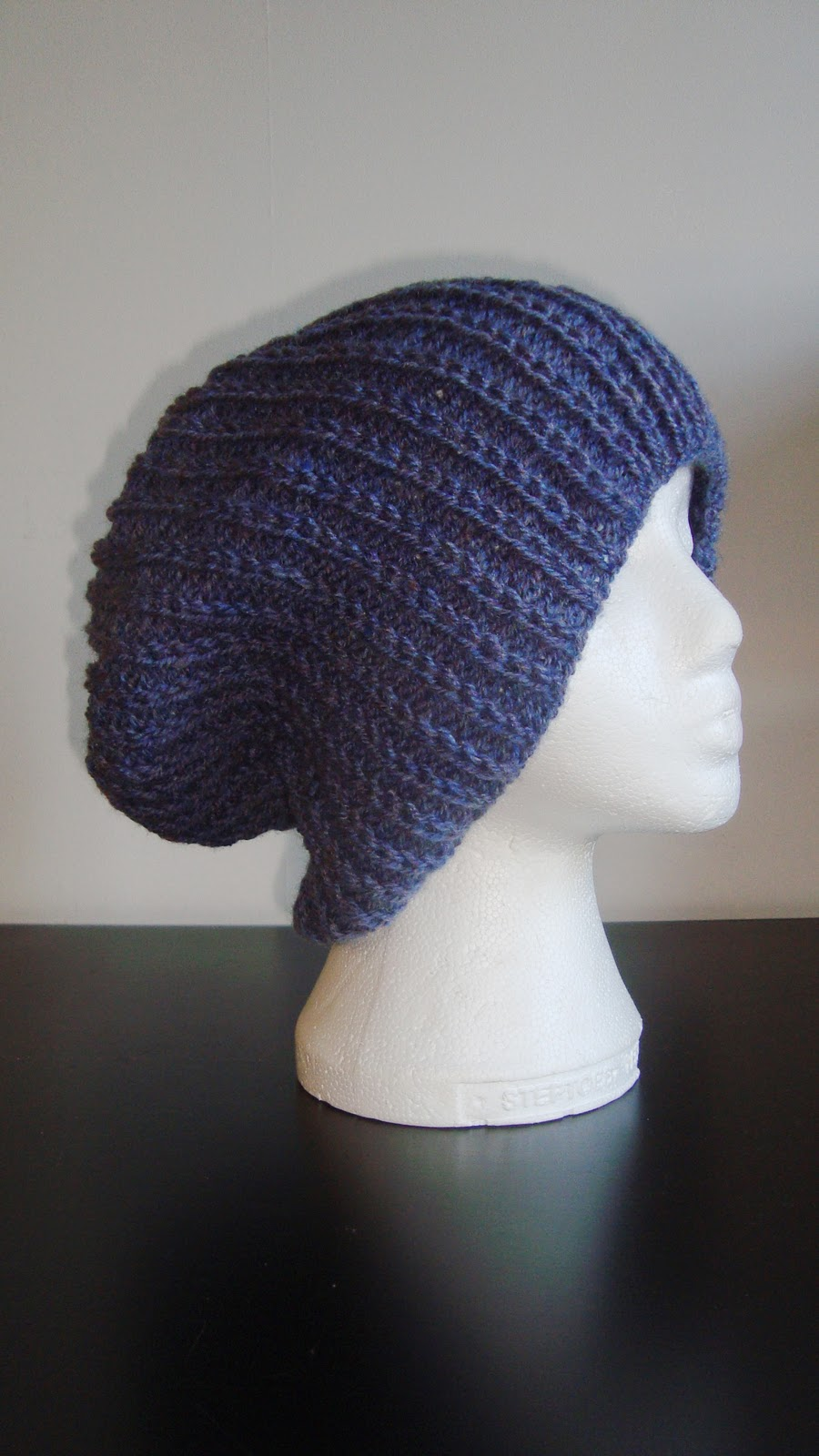Knitting Pattern For An Aran Hat : HAND KNITTING PATTERNS. ARAN. COWLS, HATS, SCARVES AND NECK WARMERS