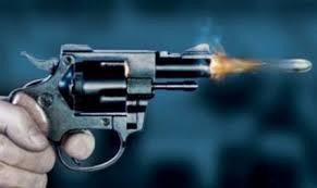 Desentendimento entre adolescente e mulher deixa uma ferida à bala